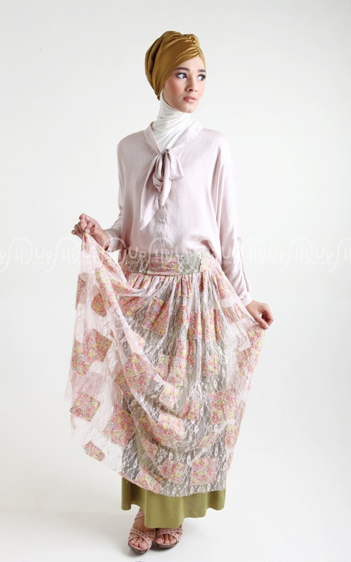 Simply chic with Lace Skirt from Simply Mii www.hijup.com