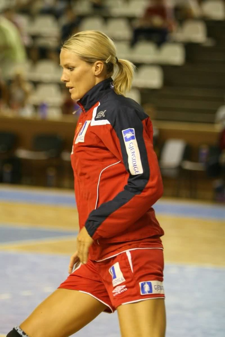 33 best Hammerseng Edin Gro images on Pinterest | Handball ...