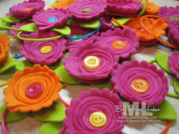 scallop circle flowers - how clever.  with video tute