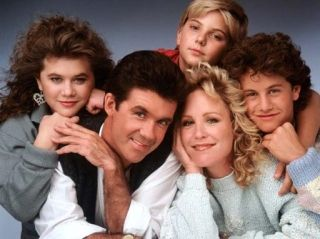 Growing Pains- where is this show?!!! why doesn't someone do reruns of it!!!