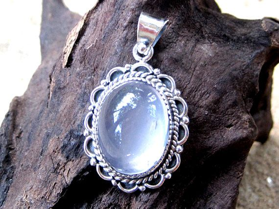 Vintage handmade Silver Pendant with Moonstone