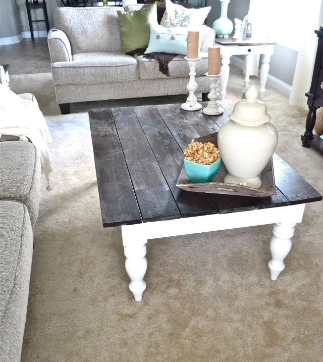 Love the colors of this table- the bright white with the dark top!