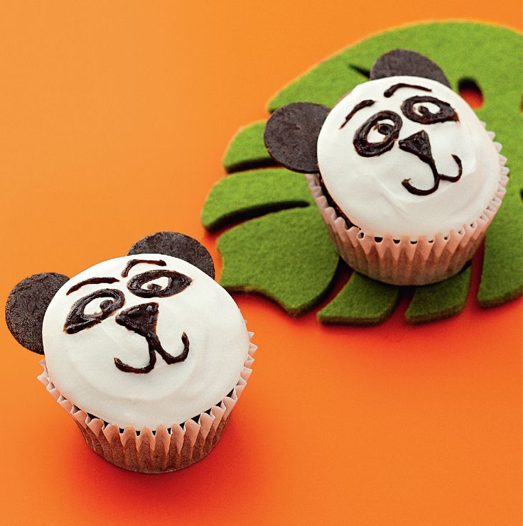 Kung Fu Panda Cupcakes. Perfect for your kids DreamWorks Heroes themed party!  http://www2.woolworthsonline.com.au/Shop/Recipe/2409  #Woolworths #recipe #DreamWorksHeroes