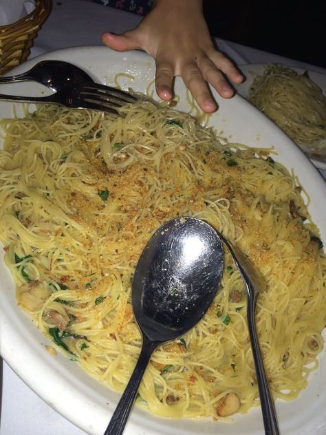 Pasta With Garlic And Oil Carmine S Restaurant Recipe Food In 2019