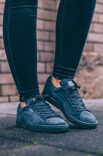 Shoe style: Suede Sneakers