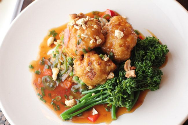 General Tsao's Cauliflower - The Raw and The Cooked