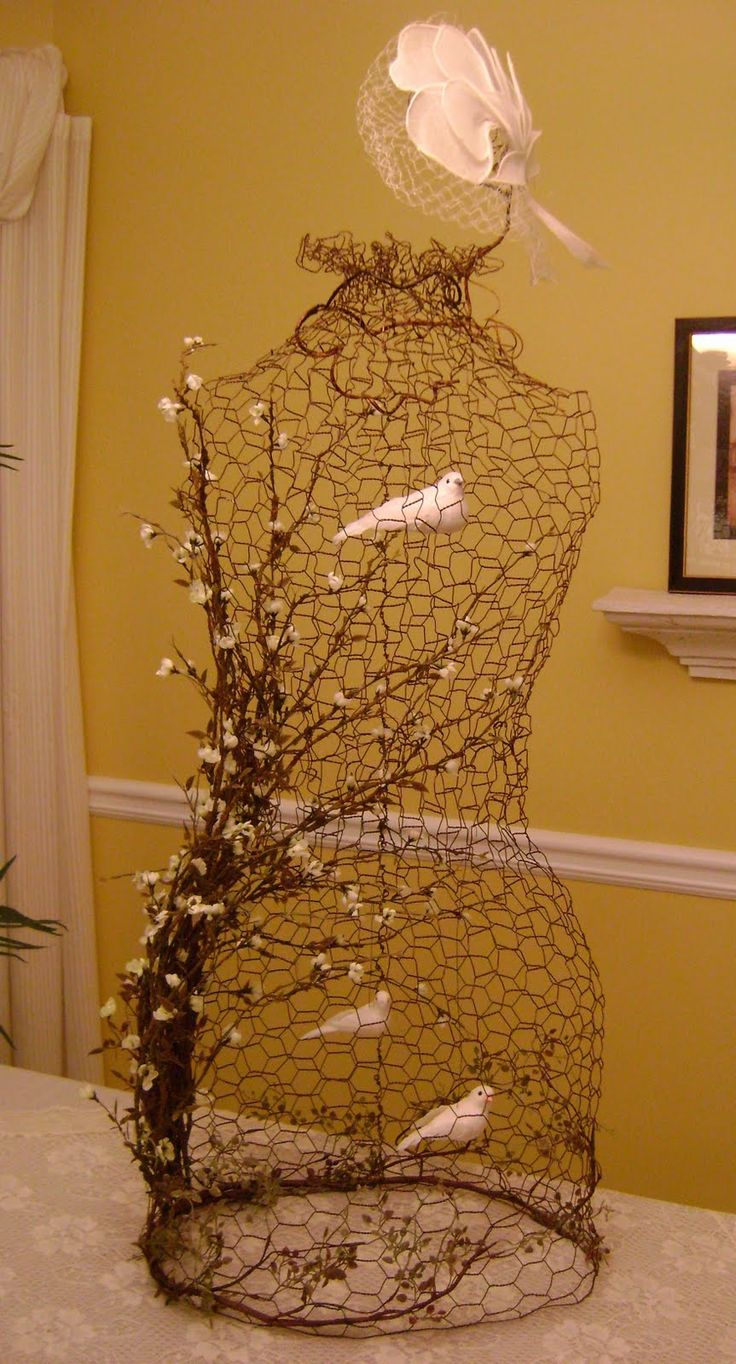 sassytrash chicken wire dress form cage dress form love pinterest gardens inspiration. Black Bedroom Furniture Sets. Home Design Ideas