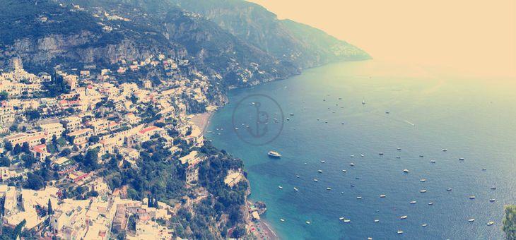 #Vacanza in barca a vela Bavaria 47 Cruiser da #Napoli. Itinerario: #Napoli, #Ischia, #Capri, #Positano, #Costiera_amalfitana. 4 Cabine, 2 Bagni, 8 Posti letto, Portata massima 12 persone. Prezzo: 250.00 € a persona (3 giorni)!