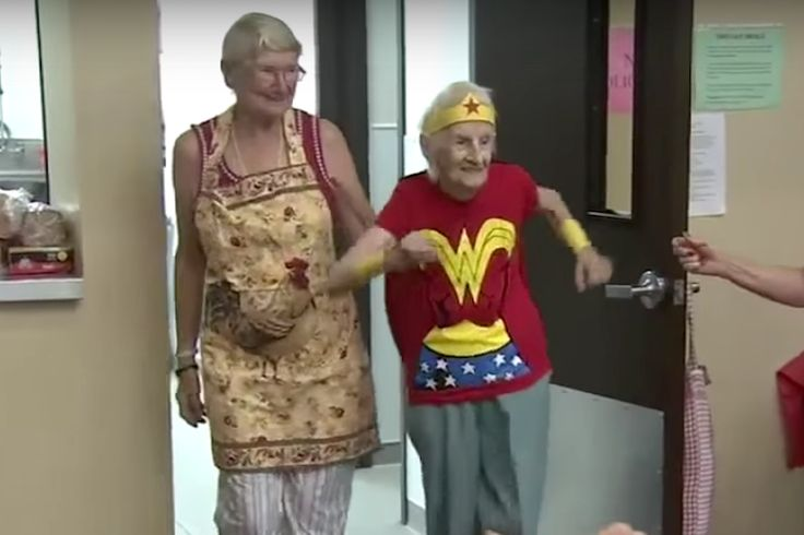 103-Year-Old Dresses as Wonder Woman to Celebrate Her Birthday - http://www.lifedaily.com/103-year-old-dresses-as-wonder-woman-to-celebrate-her-birthday/