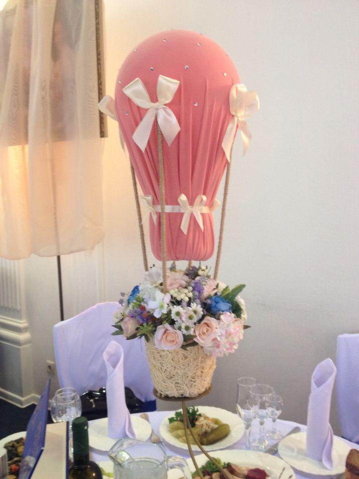 Имитация воздушного шара на столах гостей