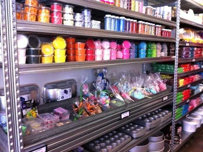 THE MAD BAKERS - shop for baking ingredients and decorations - Cake + Cupcake Bakers in Amsterdam - Awesome Amsterdam