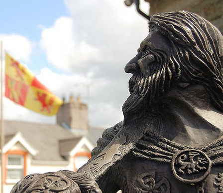 Since ancient times, the people of Wales - the large peninsula on the west coast of Great Britain - have been fiercely independent. So it was no surprise when, little more than a century after England began to occupy the land, the proud Welsh rose up to restore self-rule. Though the revolution ultimately failed, its leader, Owain Glyndwr, still is acclaimed a true champion of his people.    Owain Glyndwr - ziedu_mate (http://www.nowpublic.com/glynd-r)