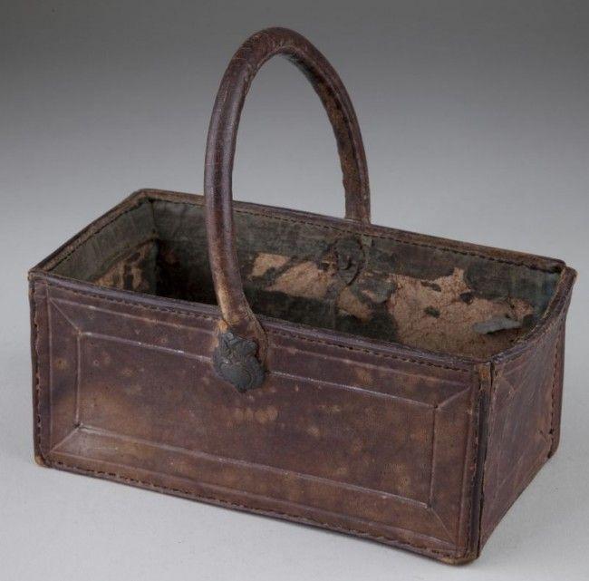 auction site...North Carolina key basket