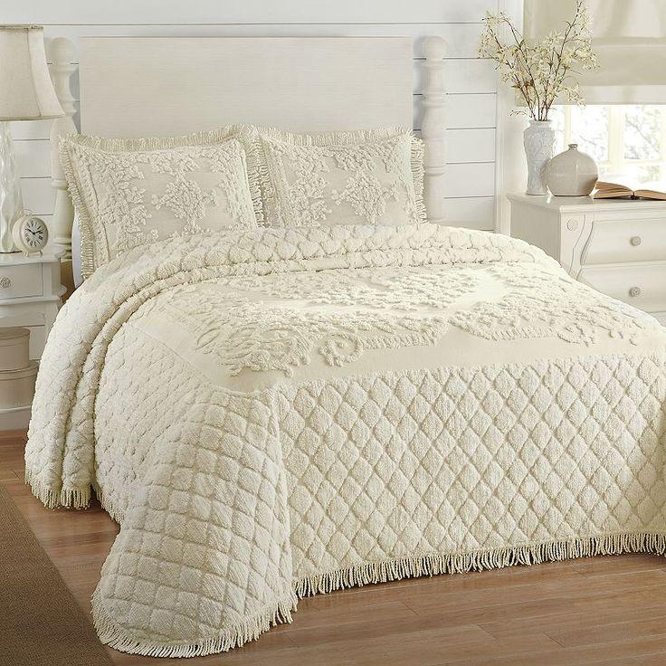 1000 id es sur le th me bedspreads comforters sur pinterest couvre lits couettes et ensembles. Black Bedroom Furniture Sets. Home Design Ideas