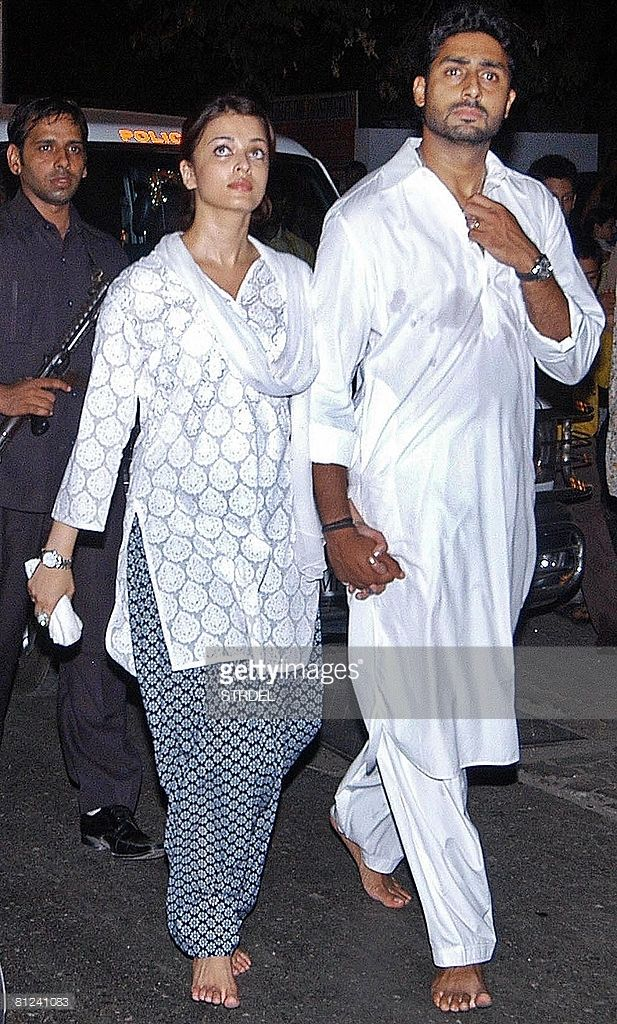 Indian Bollywood Actor And Former Miss World Aishwarya Rai Bachchan 2l And Her Actor Husband A Indian Bollywood Actors Indian Bollywood Indian Actress Photos