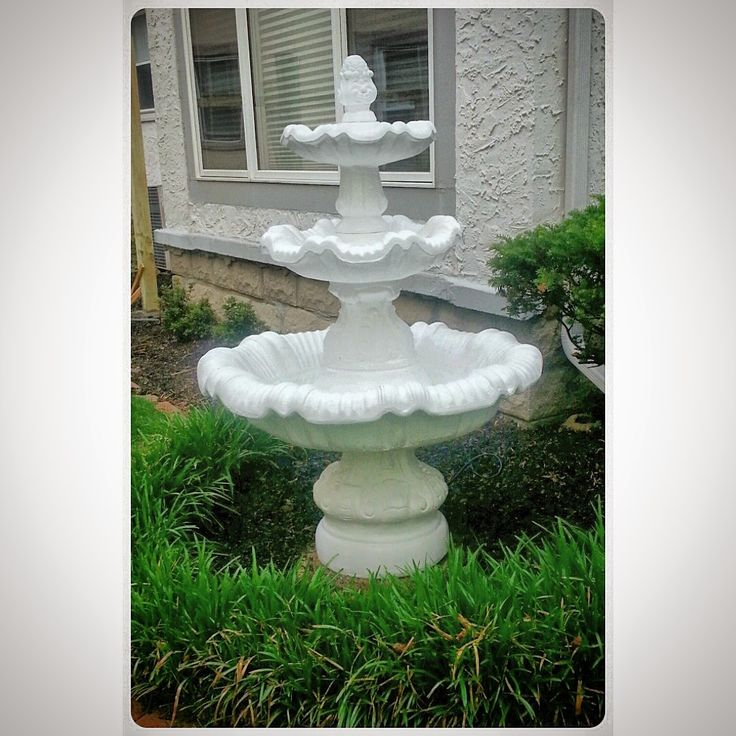 How to paint a concrete fountain via Mullens Home: A Fountain Made Youthful