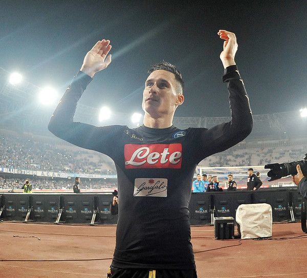 Jose Callejon player of SSC Napoli celebrates the victory after the Serie A match between SSC Napoli and Udinese Calcio at Stadio San Paolo on April 15, 2017 in Naples, Italy.