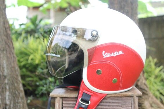 Custom helmet for your #vespa