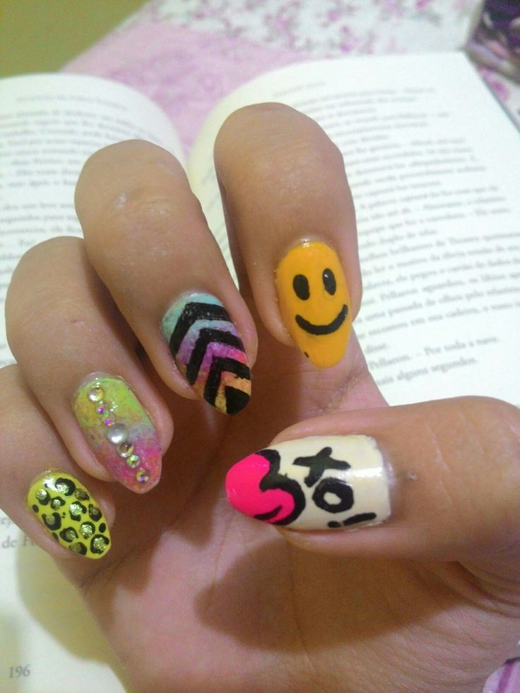 01.17 Funny nail art design I