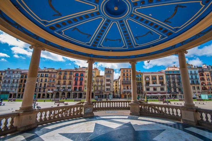 La Plaza del Castillo de #Pamplona desde el kiosko. (Foto: Getty) #Navarra
