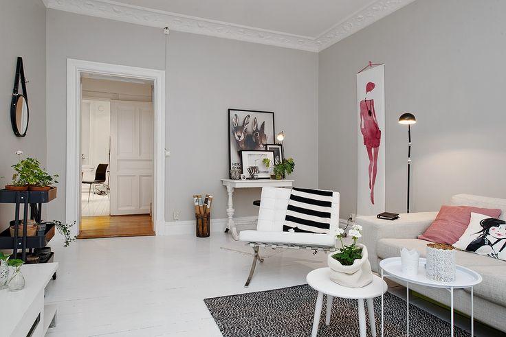 Living room. Like the Aurore de la Morinerie illustration on the wall.