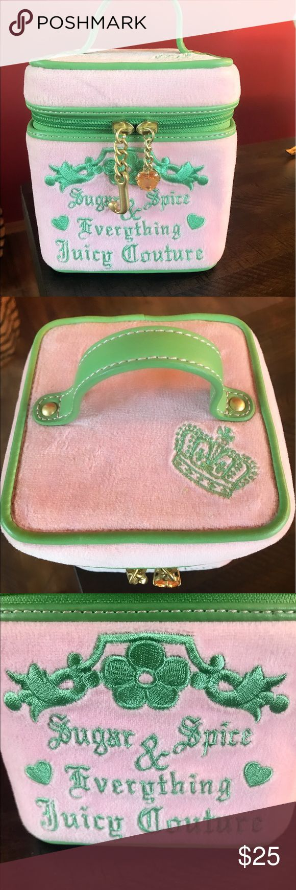 Juicy Couture make up travel case Great Condition Super chic pre-loved Juicy Couture travel case in great condition 🌻🌸🌼❤️ Hope you love it as much as I did 💜 Juicy Couture Makeup