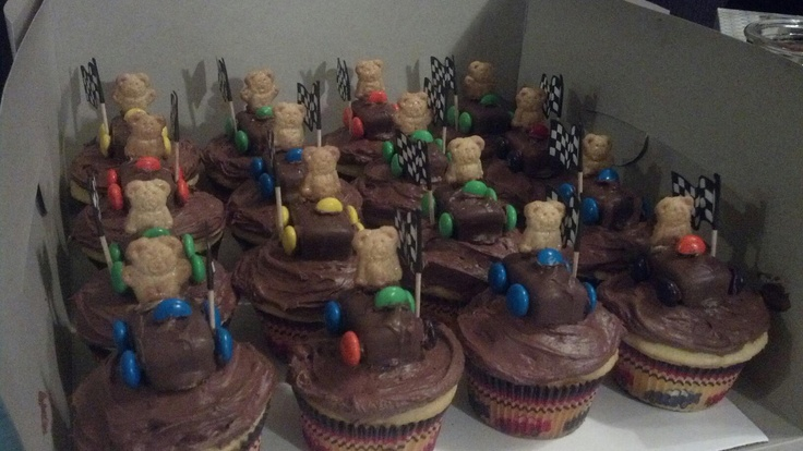 Pinewood Derby cake auction Scouts Pinterest
