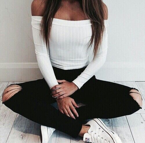 Ribbed White off-the-shoulder Long Sleeve with Distressed-at-the-knee skinny jeans.