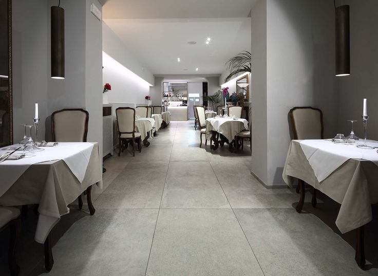 The excellence of the sea in the heart of Modena. that's Quinto Quarto, featuring Terra by Casa dolce casa. #restaurant #seafood #modena #italy #tiles #nature #terra