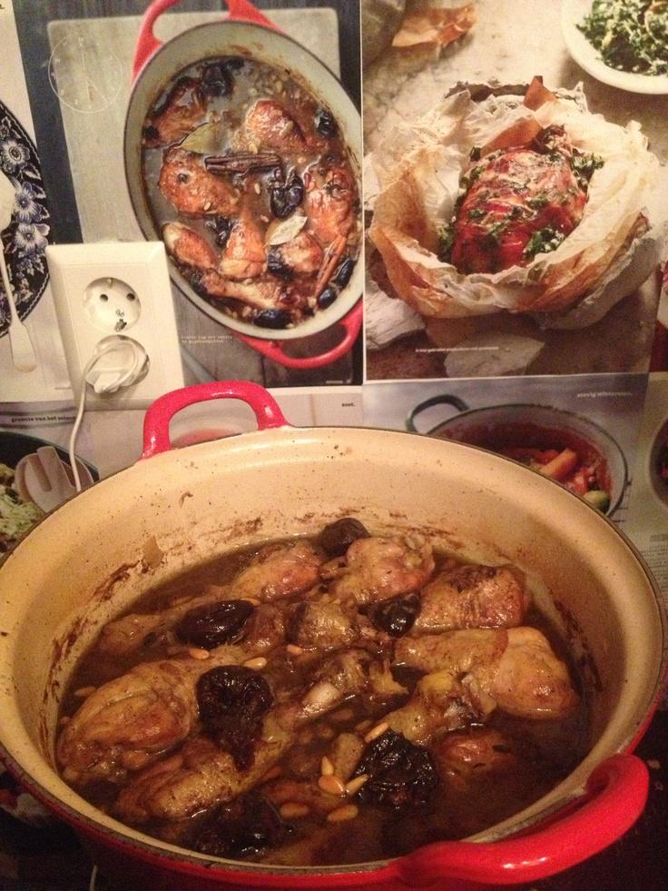 Moorish chickenlegs, with prunes, cinnamon and bayleaf