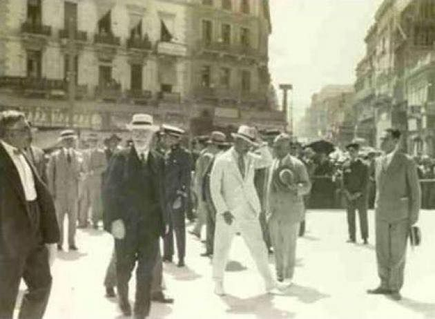 Ο Βενιζέλος εγκαινιάζει την πλατεία Ομονοίας 1930