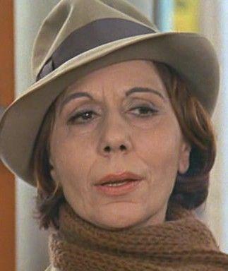 Alice Sapritch, de son vrai nom Alice Sapric, née le 29 juillet 1916 à Ortaköy dans l'Empire ottoman et morte le 24 mars 1990 à Paris, est une actrice et chanteuse d'origine arménienne naturalisée française