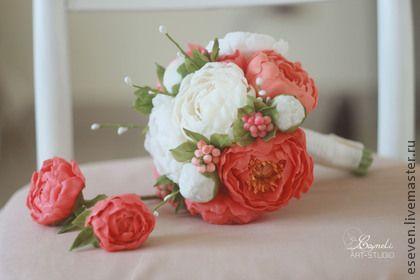 Свадебные цветы ручной работы. Ярмарка Мастеров - ручная работа. Купить Свадебный комплект из коралловых и белых пионов. Handmade. белый