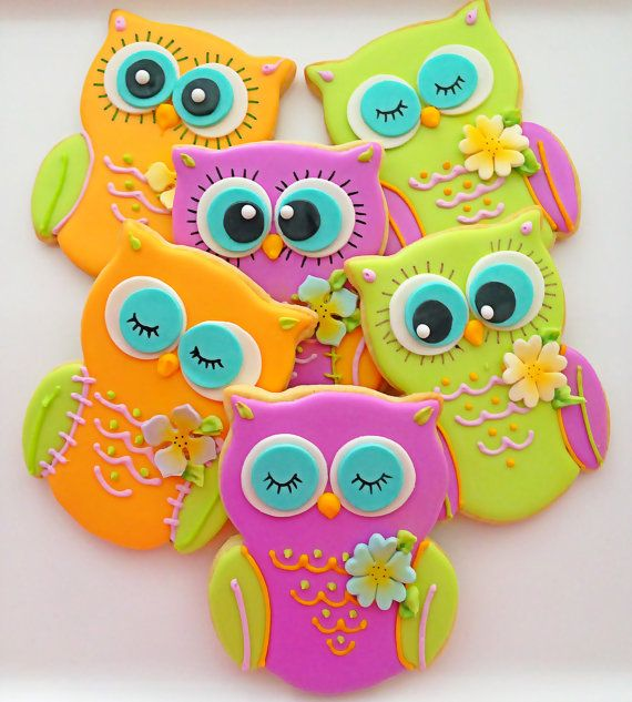This listing is for 12 vegan owl shaped sugar cookies. These owls are so bright and cheerful and are a sure way to brighten someones day! Each