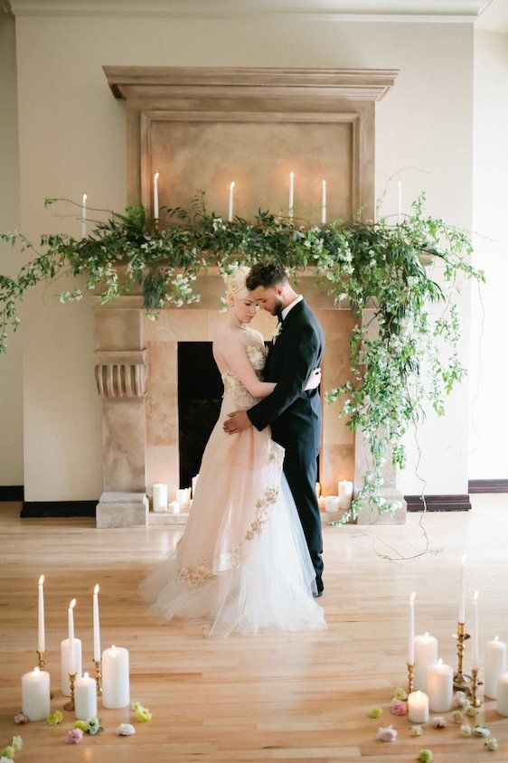 Love how the garland over the fireplace is natural, asymmetrical, and hanging over the sides.                                                                                                                                                                                 More