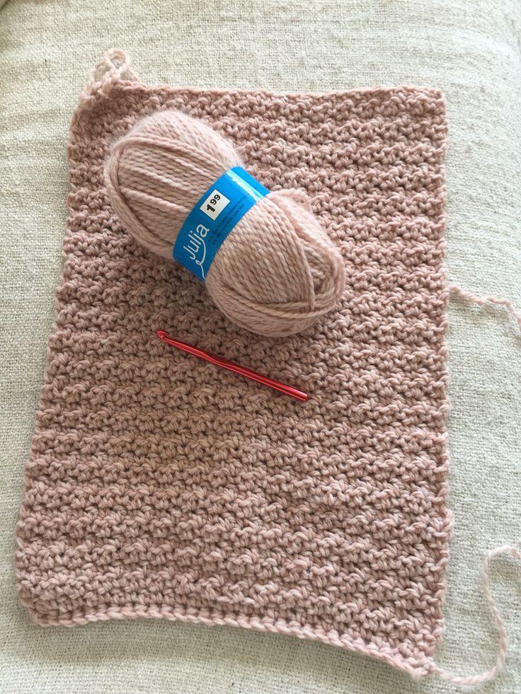 Oud rosé Sjaal haken met 2 simpele steken van wol van Zeeman 'Julia'