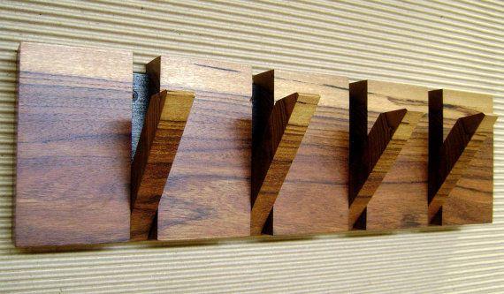 Perchero plegable en madera