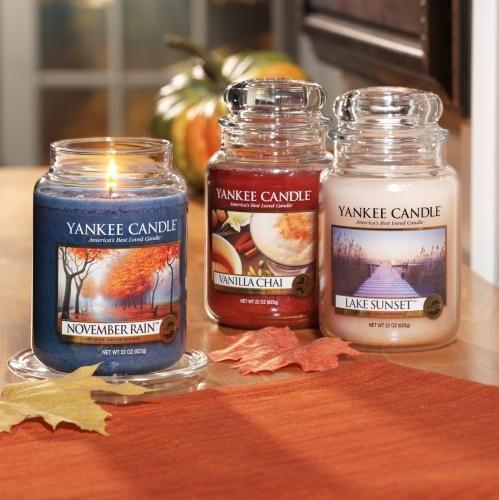 Höstens dofter skapar en fridfull och avkopplande oas. Unna dig att njuta av mysiga kryddor och läckra praliner på Yankee Candle Sverige - Doftljus, Ljustillbehör, Ljusogram