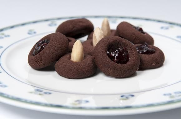 vánoční cukroví - sádlovky - sádlové koláčky 170 g hladké mouky, 150 g sádla, 150 g moučkového cukru, 60 g kakaa