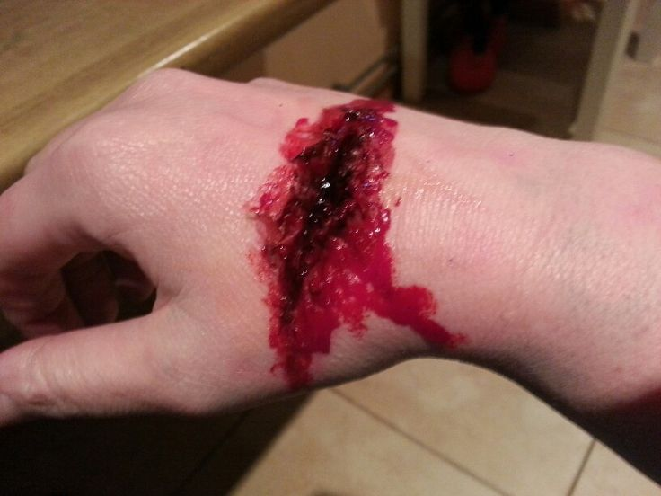 First try FXMakeUp    #scarwax