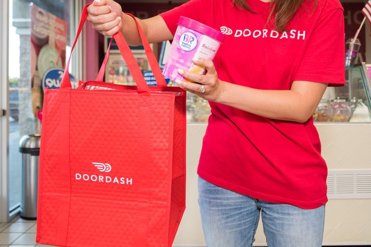 Baskin-Robbins and DoorDash will deliver ice cream to your stoop If youre like me once the mercury starts rising your diet slowly becomes more and more ice-cream-and-popsicle based. But what if its too hot and you dont want to drive or walk to the nearest ice cream parlor? Thats where Baskin-Robbins comes in. The franchise claims it has devised a way to deliver its frozen confections intact to your door thanks to a partnership with DoorDash. Some 600 stores in 22 cities are making delicious…