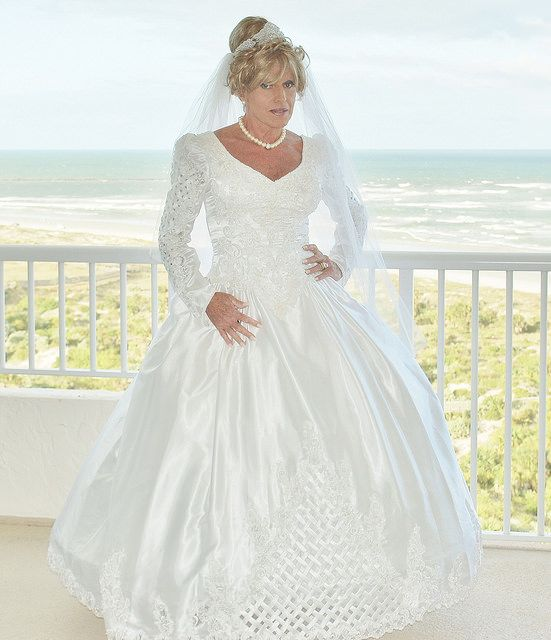 Here's a new and romantic bridal picture from Miss Lisa Thomas, a beautiful crossdresser. This was taken in Florida.