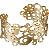 Sooo beautiful... Metropoli Bracelet Designer: Jorma Koski Kalevala Jewelry's Trend collection lives life in the moment. Skilled jewelry designers add a unique Finnish twist to international trends. Genuine Kalevala Jewelry – always in fashion. Item no.: 6876