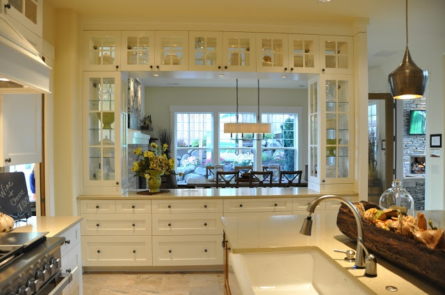 Isabella max rooms oh which house would you pick for Kitchen located in front of house