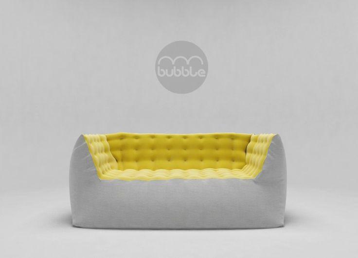 BUBBLE è un divano accogliente e confortevole ideato per il relax. Lo stacco cromatico tra interno ed esterno esalta la comodità e la morbidezza del divano, oltre a marcare i diversi trattamenti di lavorazione dei materiali.Principalmente imbottito di poliuretano espanso flessibile, l'esterno rivestito di tela e l 'interno di panno.