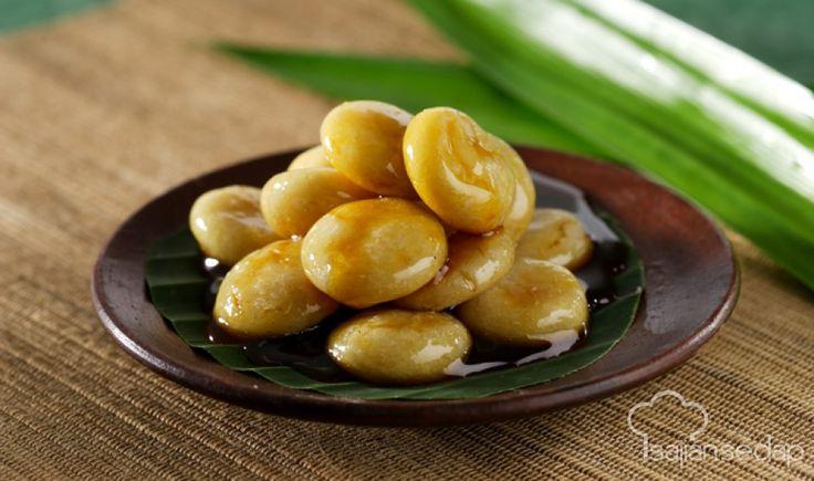 Tepung beras selalu cocok saat dipadukan dengan saus gula merah yang manis . Itulah bahan utama Kue Arai Khas Minang ini. Membuatnya tidak sulit, simak resep berikut.