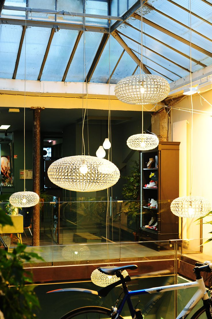 1000 images about vitrines display on pinterest bijoux boutiques and paris - Deco jardin velo paris ...