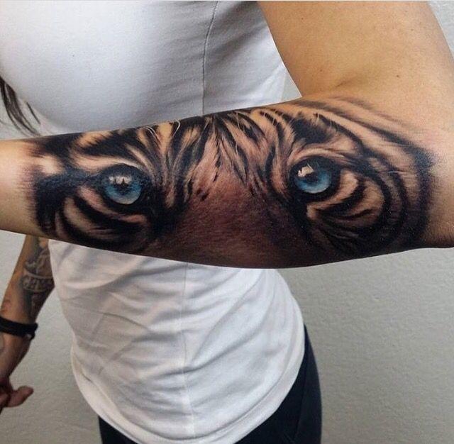 Sleeve tiger eyes