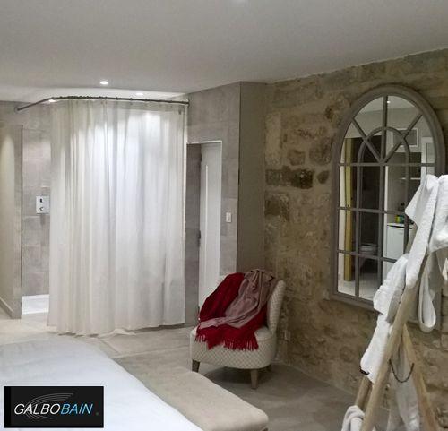 47 best le rideau de douche sa place dans de belles salles de bain images on pinterest. Black Bedroom Furniture Sets. Home Design Ideas