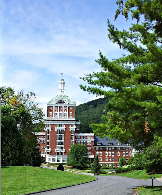 Hines-Sight Blog: Pack Your Bags: We're Heading to the Homestead Resort in Hot Springs, Virginia